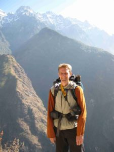 Hiking in China on the overland journey from London to Australia.